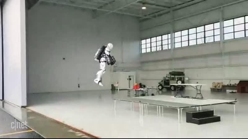 Адам Сэвидж создал настоящий костюм Железного Человека который летает
