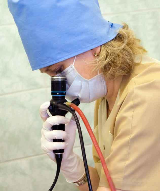 Эндоскоп используется в сигмоидоскопии.