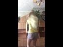 Алёна и Полина танцуют