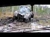 Трактор в белорусском болоте
