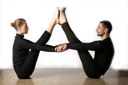 4 позы йоги для домашних тренировок, которые помогут похудеть изоражения