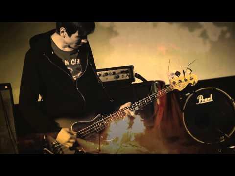 ELKUPE - Upe iet un upe klusē (Official live video)