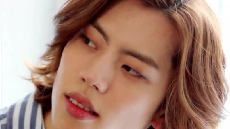 Dongwoo's hair