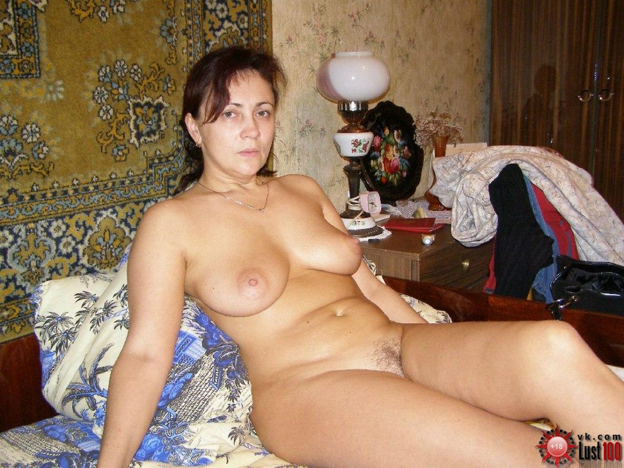Зрелые женщины (104 порно видео)