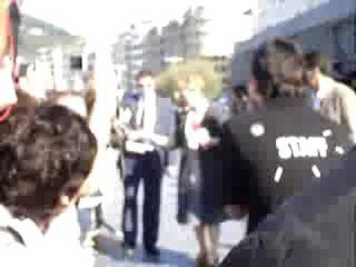 Meryl Streep signing autographs - Donostia