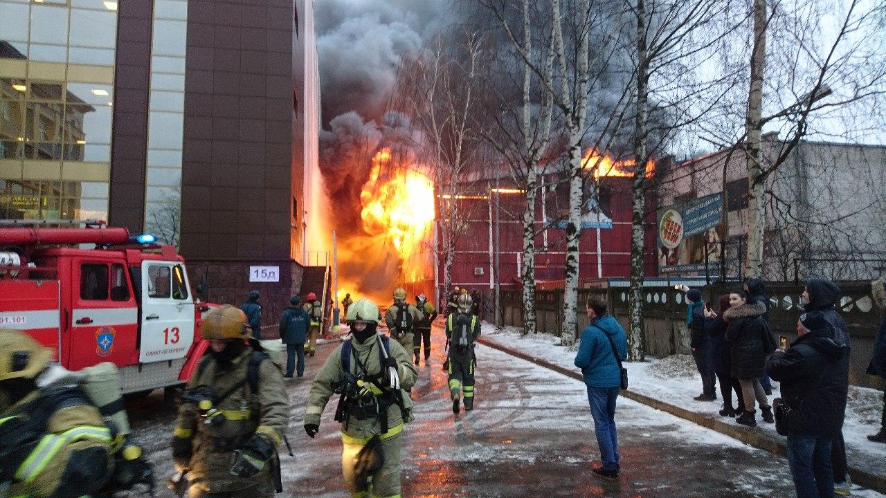 Натерритории петербургского «Электродного завода» произошел пожар