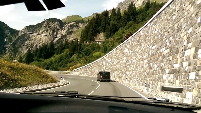 Дорога из Инсбрука на Лихтенштейн