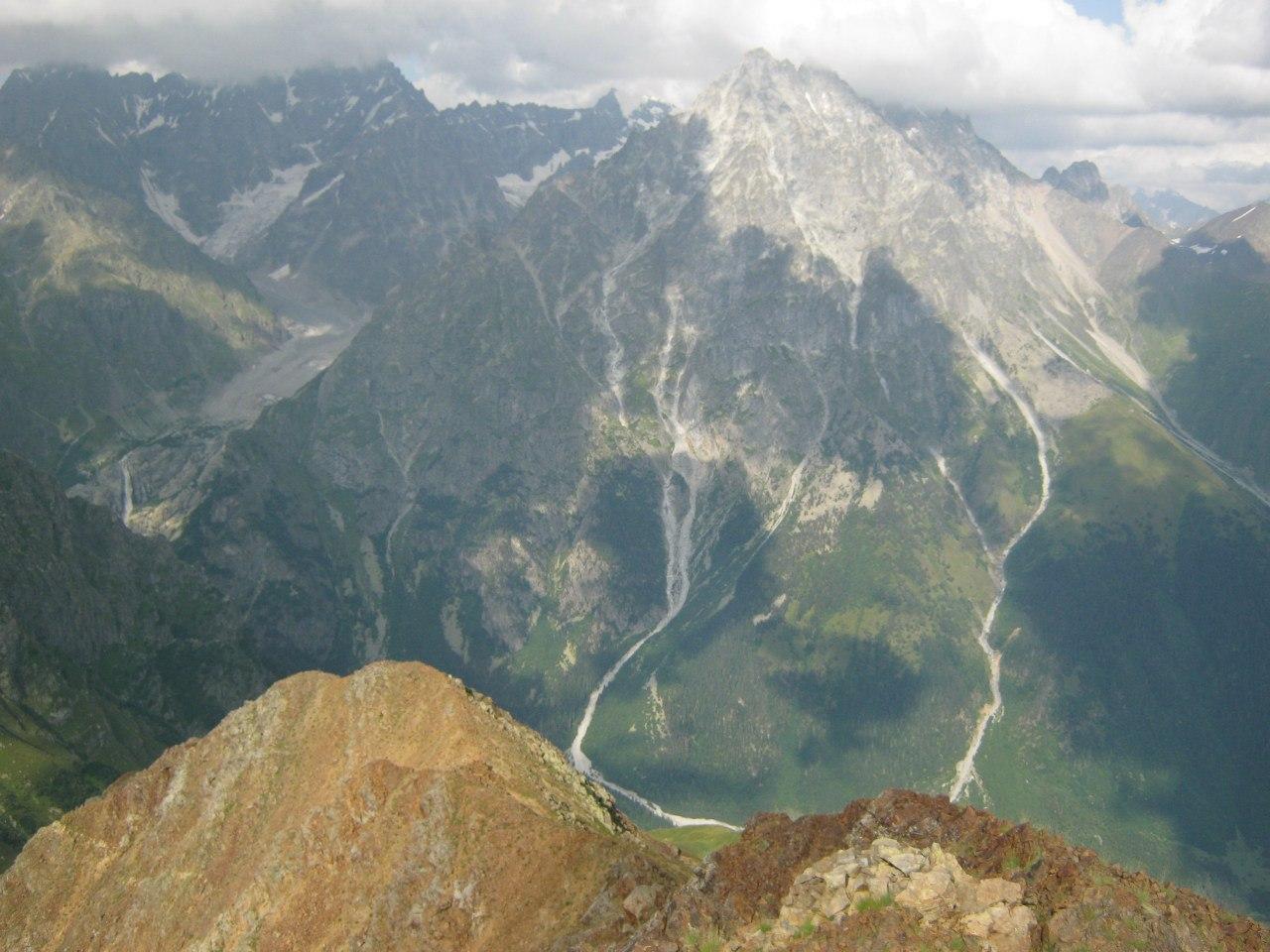 гора Ушба и водопад Мазери