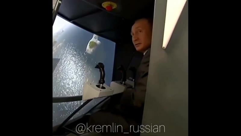 Путин позвал Собянина пристыковаться к орбитальной станции на симуляторе.
