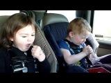 Дети слушают тяжелый металл