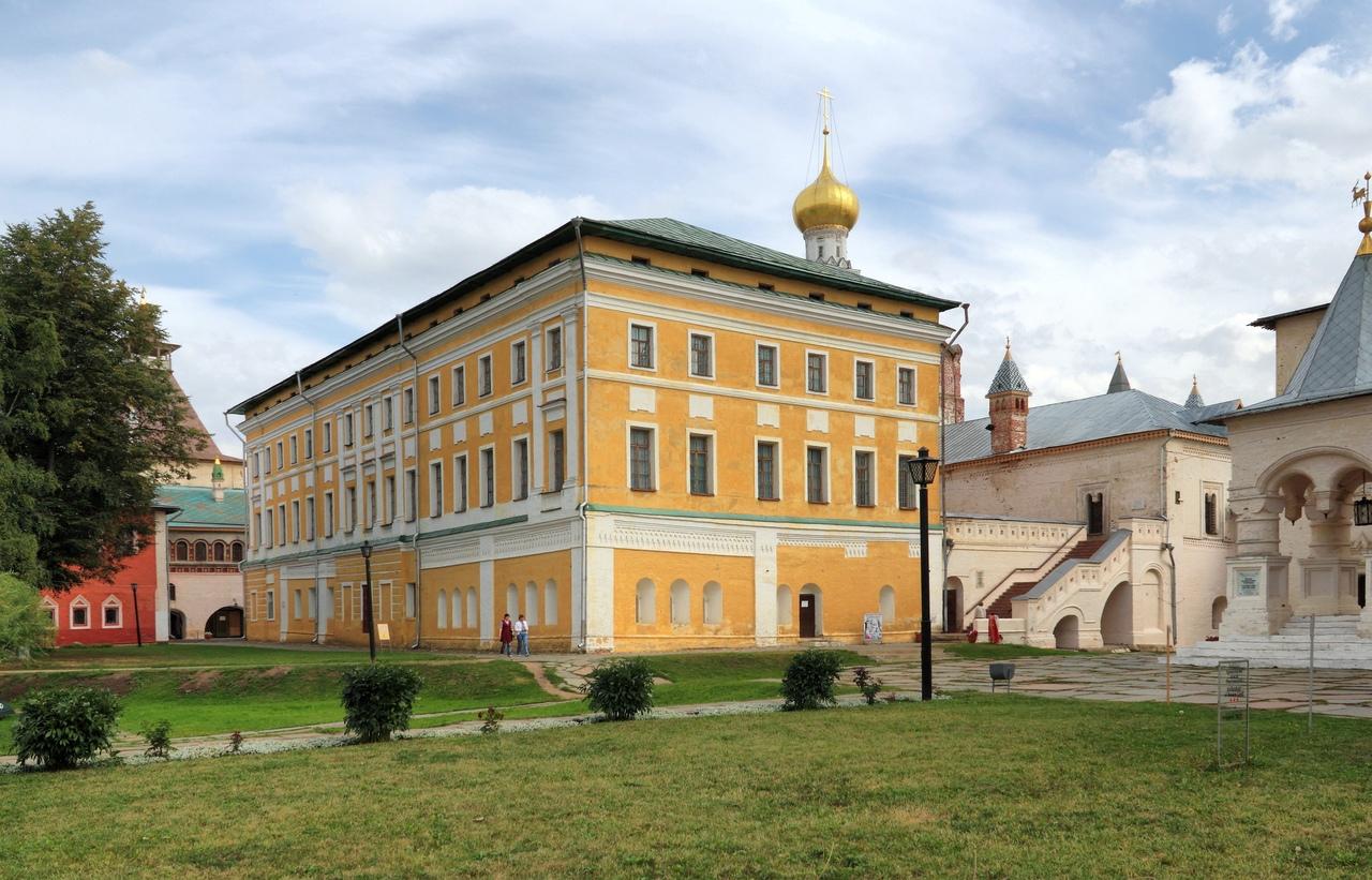nDTfogMQvQ4 Ростовский кремль.