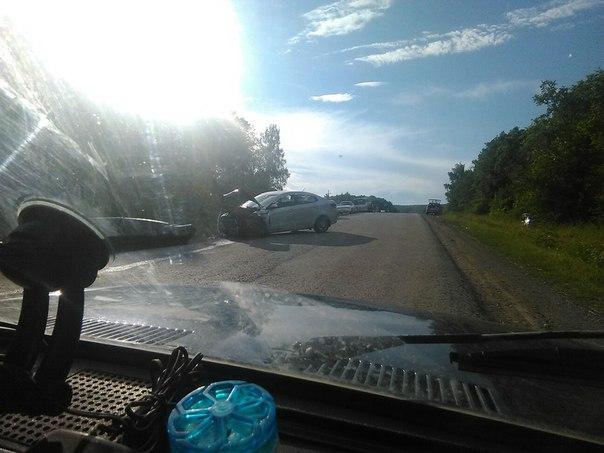 На трассе в Башкирии в лобовом ДТП столкнулись иномарка и «десятка»