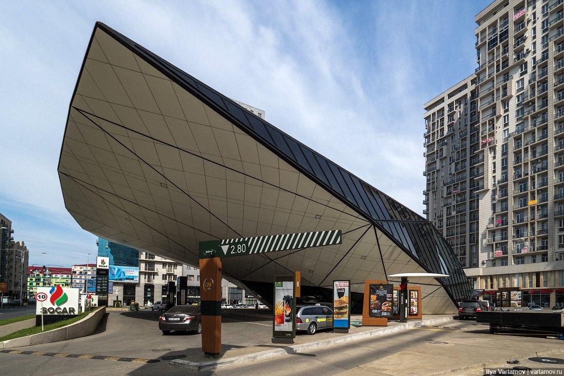 Безумная современная архитектура Батуми