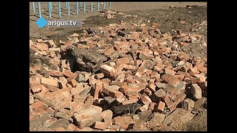 В Улан Удэ школьный стадион отдали под строительство детсада Чиновники решили действовать по принципу отобрать у одного чтобы