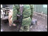 Ополченцы эвакуируют лежачего больного из-под обстрелов, пригород Углегорска