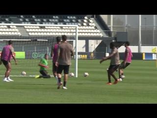 Тренировка Роналду и других игроков