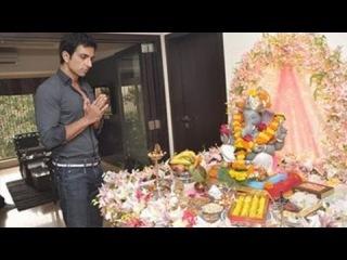 Bollywood Actor Sonu Sood's Ganapati 2012 !