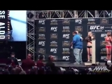 v-s.mobiUFC 194 Weigh-Ins Jose Aldo vs. Conor McGregor.mp4