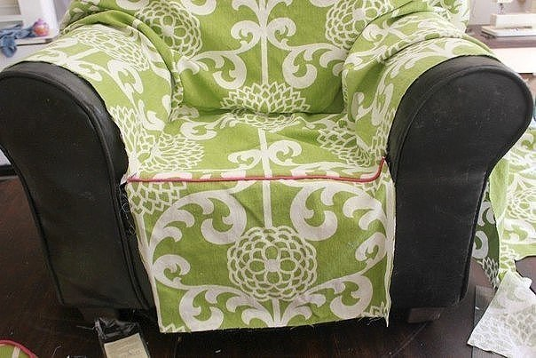Из чего сшить чехол на кресло своими