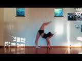 SLs Strength Flexibility GIRL (Amazing Video)