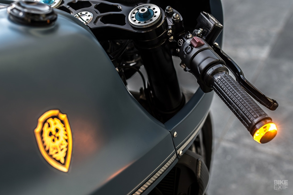 Rough Crafts: кафе рейсер Ducati Monster