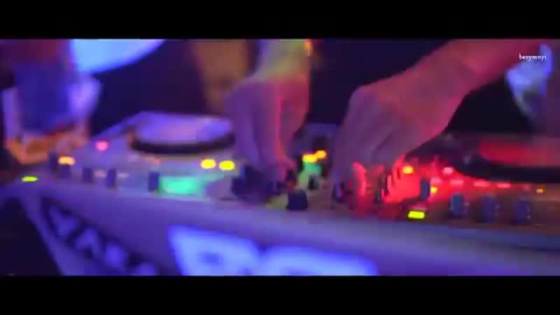 Allure Rezack_ EA7 - Любить друзьям нельзя (Remix) (Mp3GOO.RU)