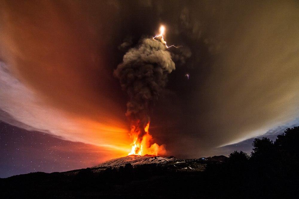 Вулканические молнии Кордоне-Калле, Чили. Стихия Огня 4 июня 2011 года. Крупное взрывное вулканическое извержение в Кордоне-Калле, Чили