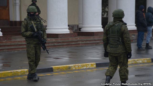 التصعيد العسكري الروسي بشبه جزيرة القرم الأوكرانية  DZTq1t4uYD0