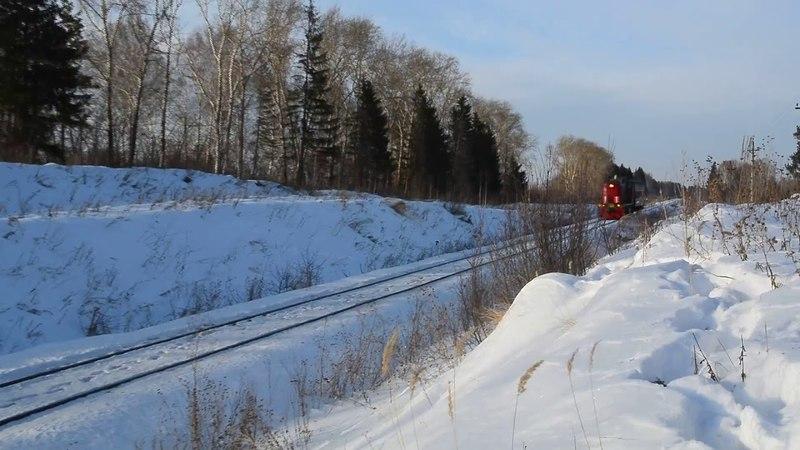 ТЭМ18ДМ 550 с пригородным поездом Сосьва Новая Алапаевск и приветливой бригадой