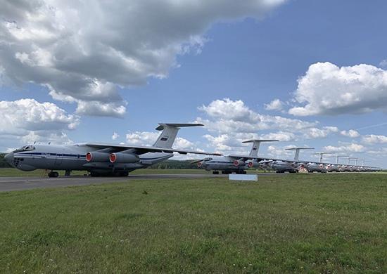 Экипажи Ил-76 и самолет Бе-200 из Таганрога направлены в Красноярск на тушение лесных пожаров