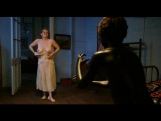 Голая мамаша играет в прятки с сыном  (инцест в кино, голая мама и сын, мать разделась перед сыном)