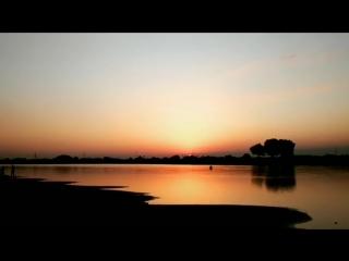 Видео: platon_borntowin Когда солнце садиться на глазах...момент бесценен😍...