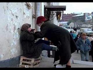 -дай тете Фиме денежку,она за твое здоровье супу выпьет!-