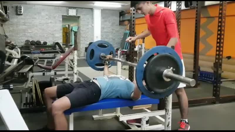 Ишхан 85*3. 17 лет. собственный вес 58