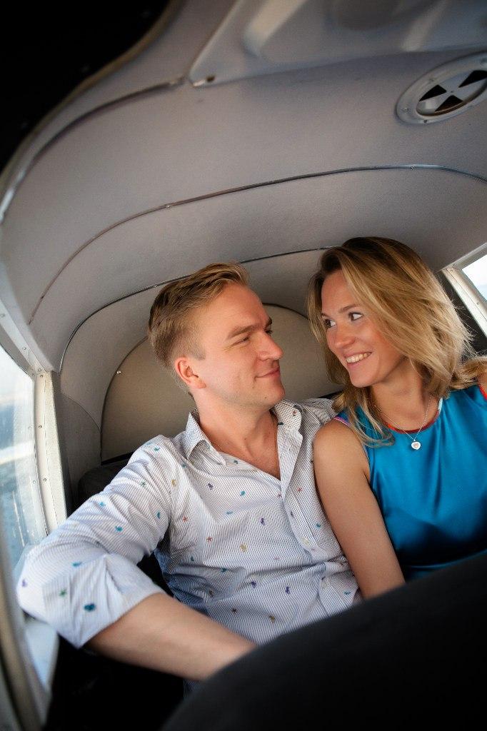влюбленные во время полета на самолете