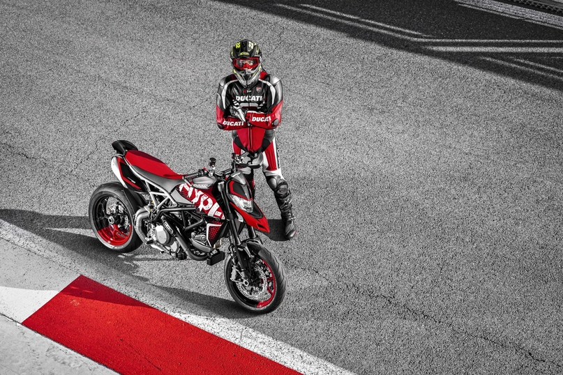 Мотоцикл Ducati Hypermotard 950 RVE 2020