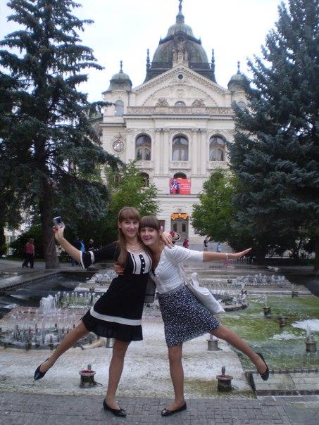 Активісти МЄР: Вікторія Білаш та Діна Марунько