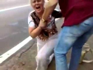 Бляяяяя я плакал ))))) Угарная баба!!!