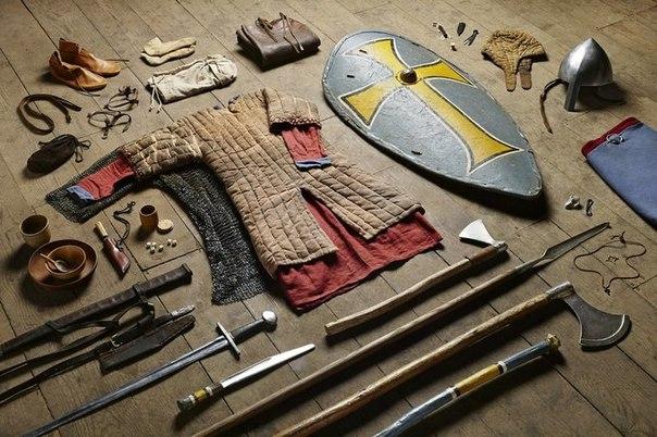 Британец сфотографировал все военное снаряжение своей страны, начиная с XI века