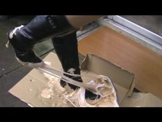 Cammile vidiset18 (boots stuck)