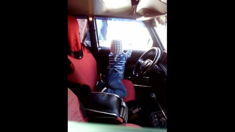 у папы в машине