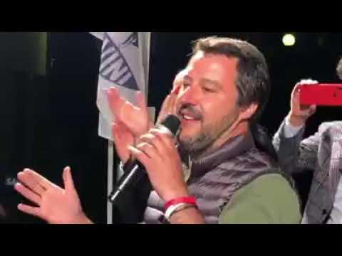 MATTEO SALVINI RISPONDE AI CENTRI SOCIALI (FIGLINE VALDARNO)