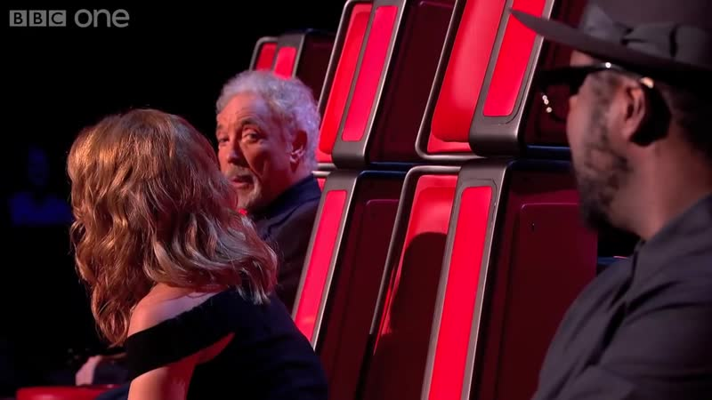 Lee Glasson performs Cant Get You Out Of My Head - The Voice UK 2014- Blind Auditions 1 - BBC One