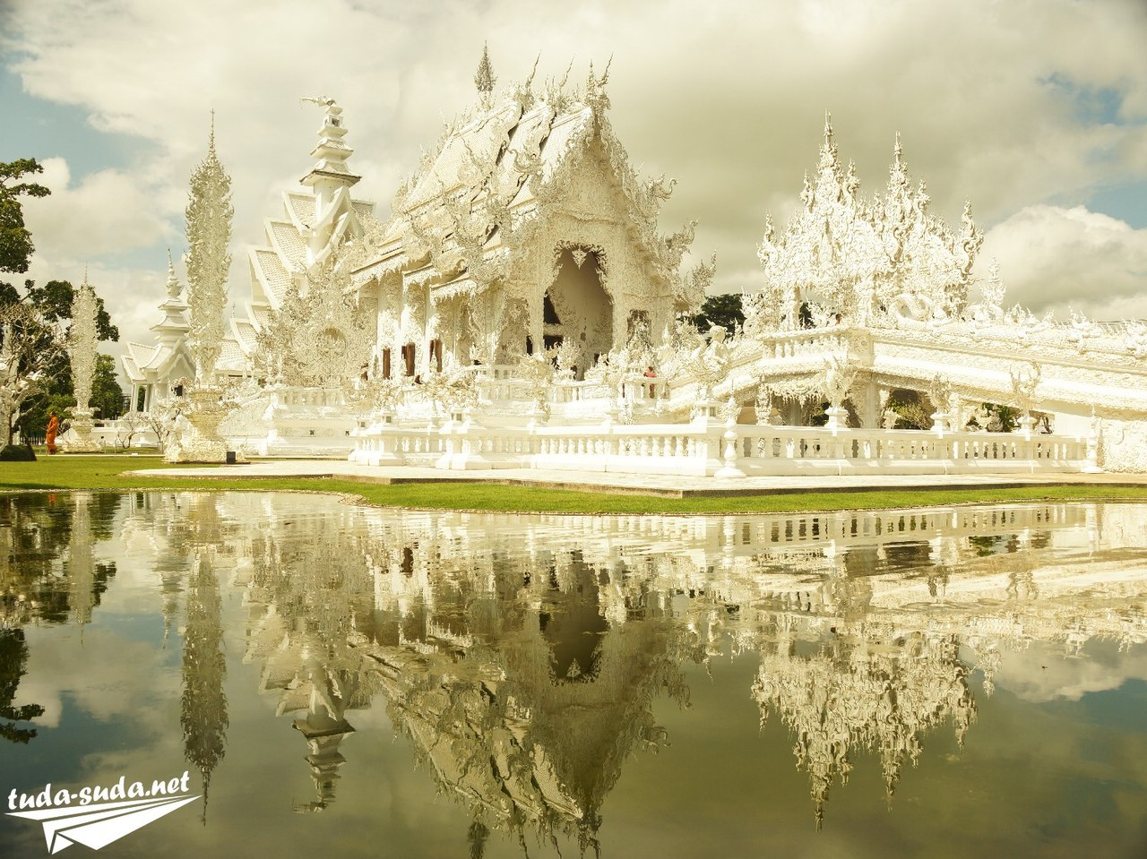 Белый Храм в Таиланде фото