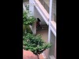 视频: 山东商务职业学院连廊野战门