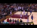 Kevin Durant 31 es el tercer jugador que consigue 25 o más puntos en sus ocho primeros partidos en NBAFinals. Los otros son M
