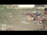مشاهد بطولية من جبهة الساحل_الغربي - مجموعة أفراد يتصدون لرتل من المدرعات و.mp4