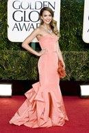 Джессика Альба.  ТОП-10 звездных фанаток Dior.  Эми Адамс.  Как материнство повлияло...  Стейси Киблер.
