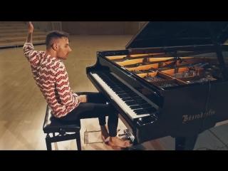 Необычное исполнение Toto - Africa от Peter Bence