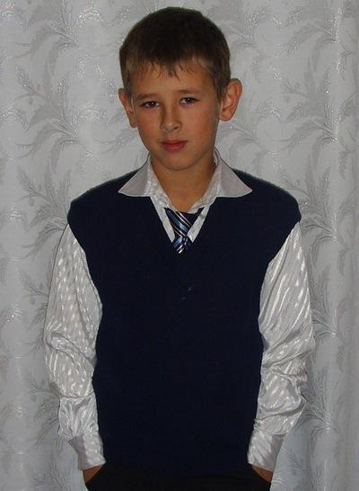 Санёк Дробышев, 15 августа 1998, Курган, id194901897